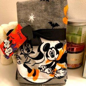 🎃Disney Mickey and Minnie Halloween Hand Towels